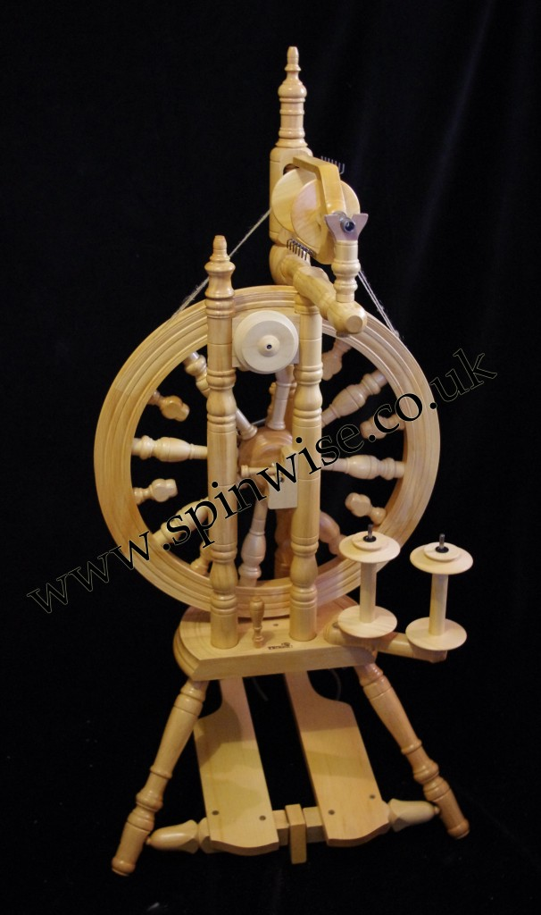 Kromski Minstrel double drive spinning wheel (3)