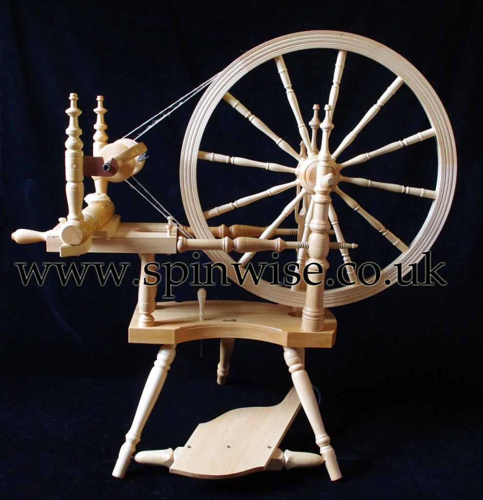 Kromski Polonaise double drive spinning wheel 2