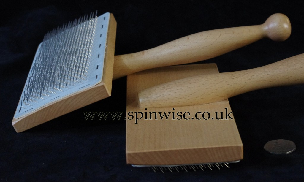 Spinwise hand carders pair